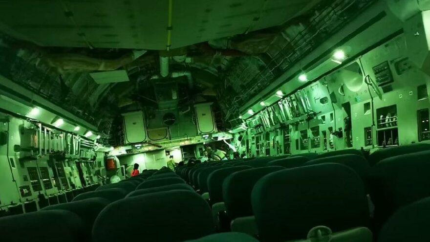 Skandal görüntü: Dev askeri uçak Afganistan'dan bomboş döndü