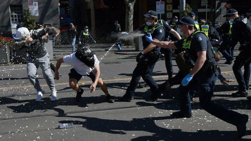 Karantina kararını protesto edenlere polis müdahalesi