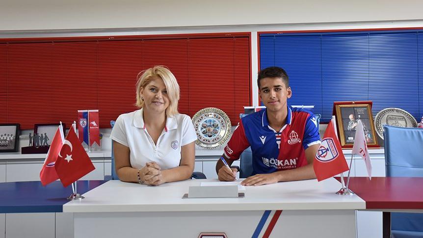 Altınordu 4 genç futbolcusuyla sözleşme imzaladı