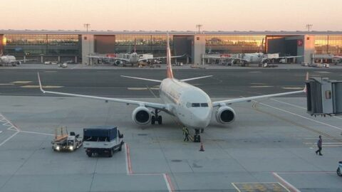 Afganistan'dan tahliye edilen 160 yolcu daha İstanbul'da