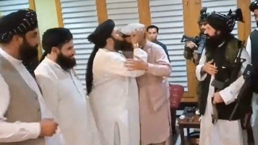 Eski Afganistan Cumhurbaşkanı Gani'nin kardeşi Taliban'ı destekliyor iddiası