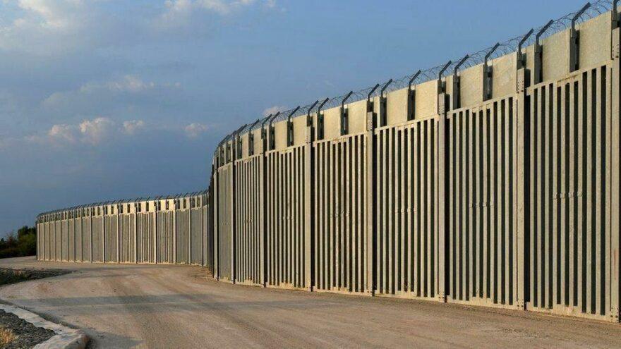 Yunanistan'dan Türkiye sınırına 40 km'lik çelik duvar