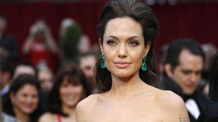 Angelina Jolie Instagram'a katılır katılmaz, Afgan bir genç kızın mektubunu paylaştı