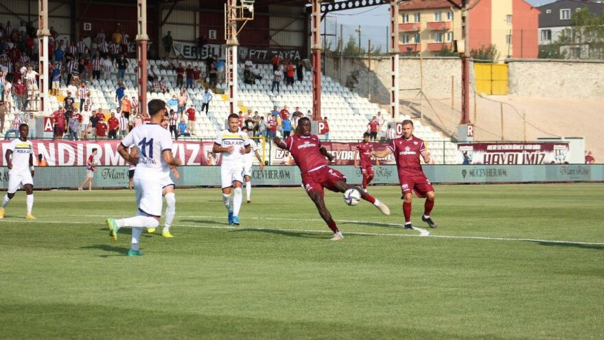 Bandırmaspor Menemenspor'u tek golle geçti