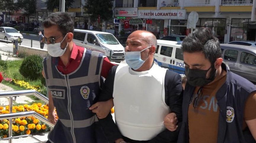 Kuaförde tüfekle ateş açıp 4 kişiyi rehin alan şüpheli tutuklandı