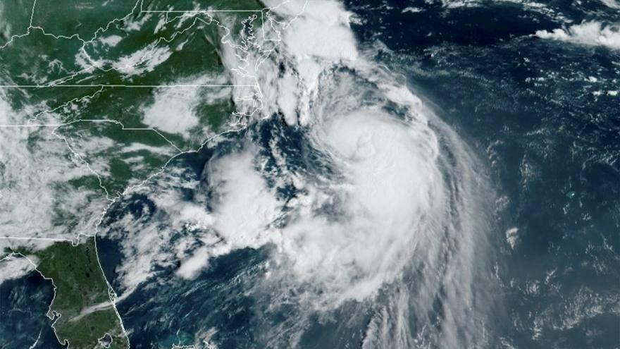 Henri Kasırgası panik yaratıyor: Hızı 120 kilometreye ulaştı