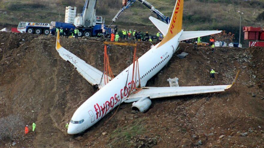 Pistten çıkan uçak pide salonu olacağı yere taşındı