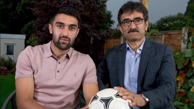 Eski Afgan subay ve futbolcu oğlunun Taliban uyarısı: 'Bu bir PR hilesi'
