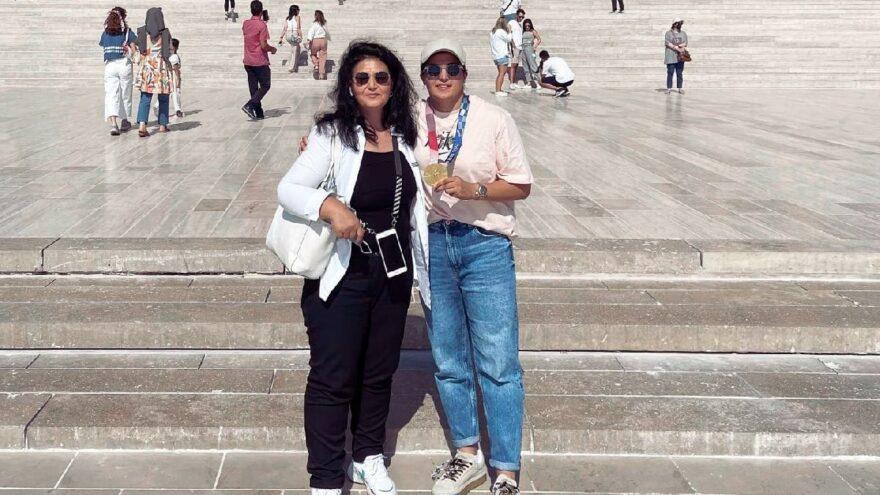 Olimpiyat şampiyonu Busenaz Sürmeneli, Anıtkabir'i ziyaret etti