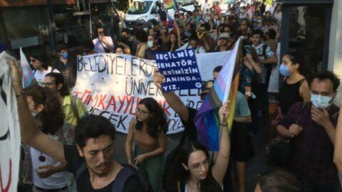 Açıklama yapmak isteyen Boğaziçili öğrencilere polis engeli