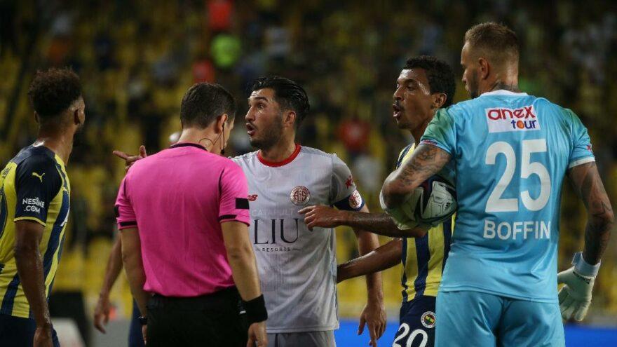 Antalyaspor'da penaltı isyanı: 'Aynı pozisyon Fenerbahçe'ye olsaydı…'
