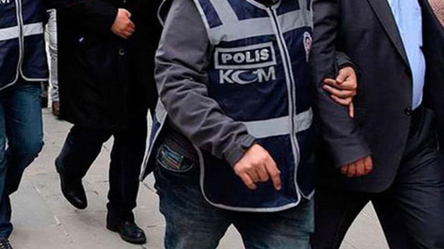 İzmir'de kaçakçılık operasyonları: 7 gözaltı