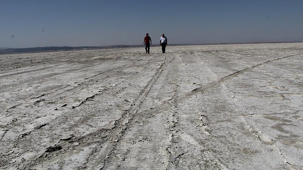 Dünyanın 2. büyük doğal sodyum kaynağı 'Acıgöl' kuruyor