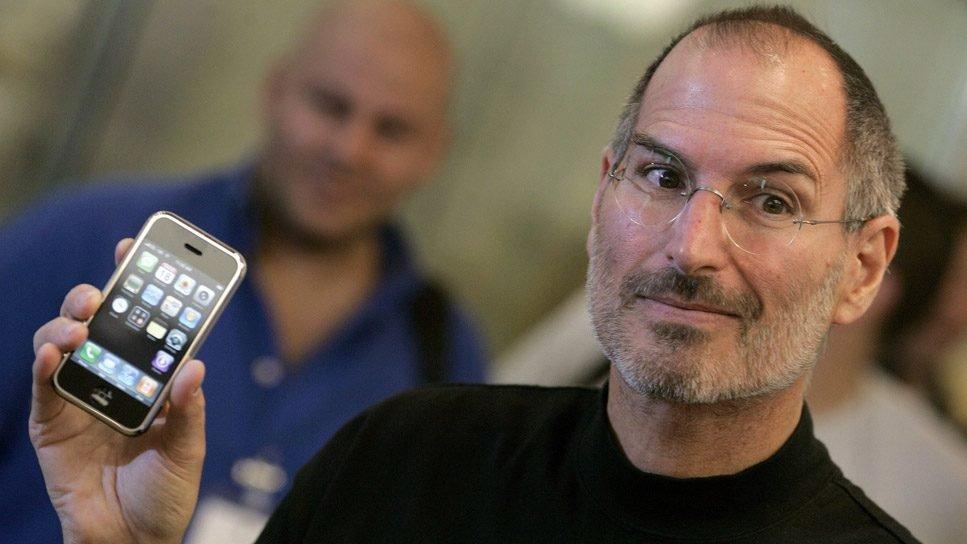 Steve Jobs imzalı bilgisayar kılavuzu 800 bin dolara satıldı