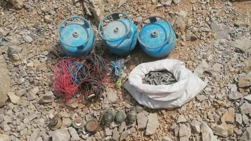 PKK'ya ait taarruz tipi el bombaları ve mühimmat ele geçirildi
