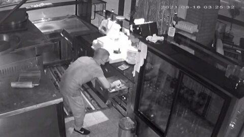 Pişkin hırsız soyduğu dükkanda yorulunca...