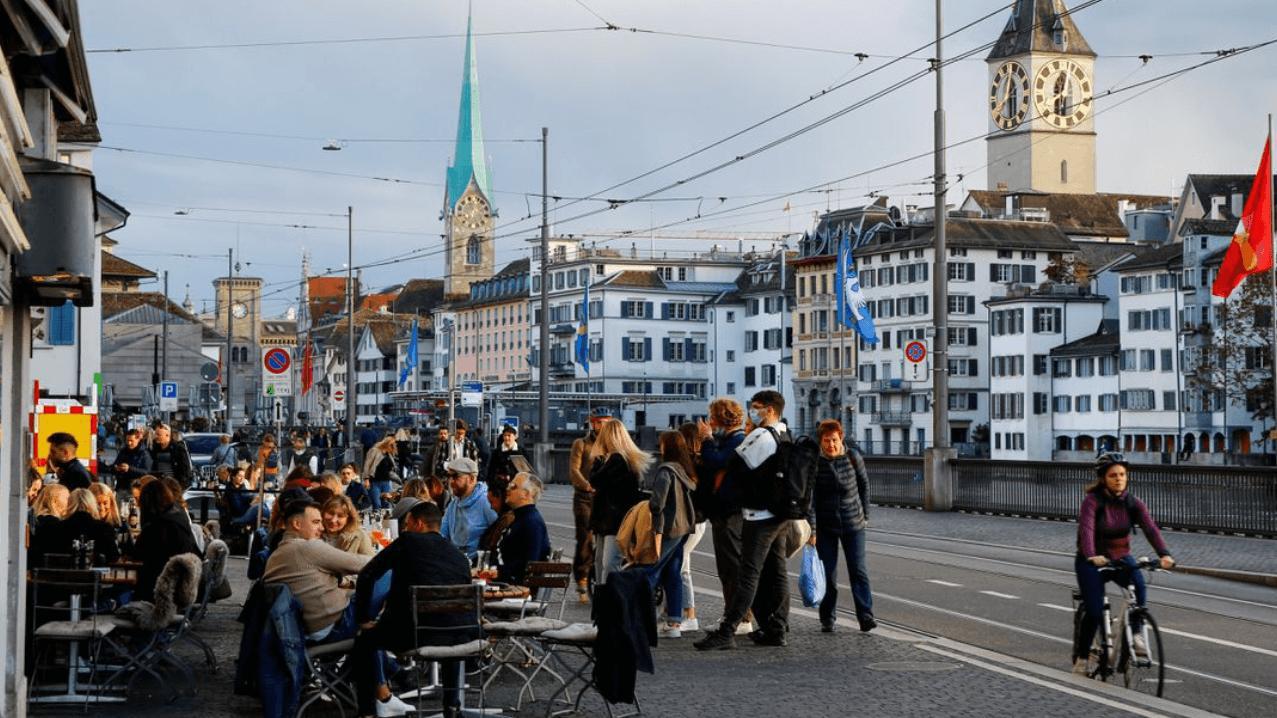 İsviçre'deki vaka artışı, dördüncü dalga için alarm veriyor
