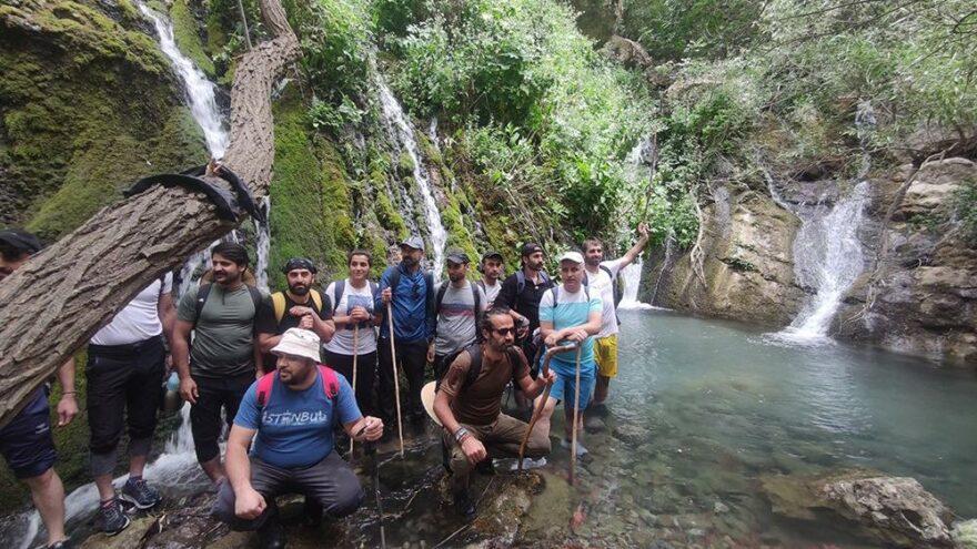 Dağcılar Hakkari'deki saklı cenneti keşfetti