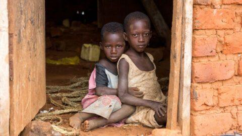Dünyada 1 milyardan fazla insan toprak zeminli evlerde yaşıyor