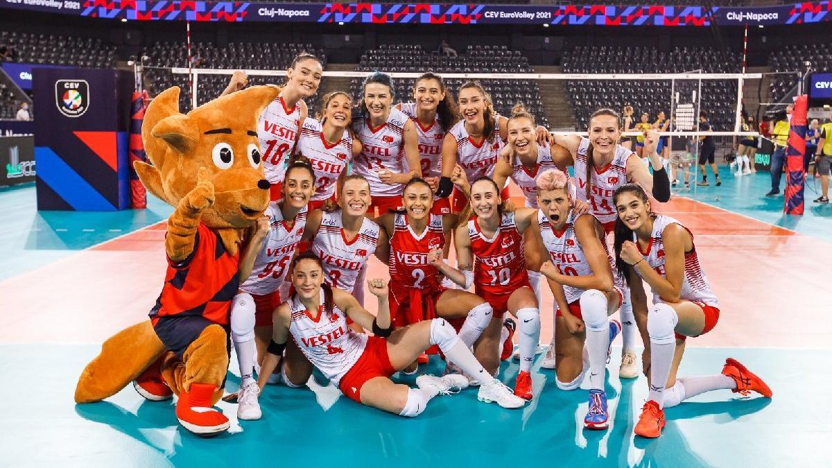 Türkiye Hollanda'yı da dağıttı ve 5'te 5'le grubu lider tamamladı (2021 CEV Kadınlar Avrupa Şampiyonası)