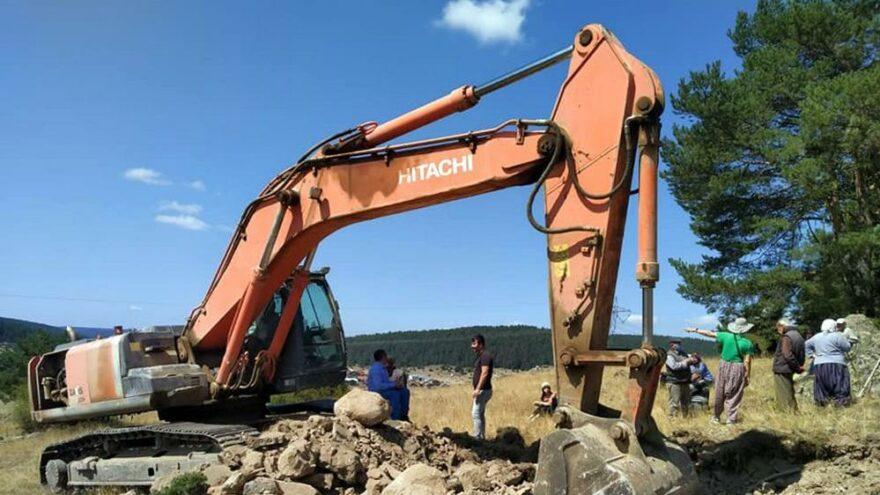 Meraya taş ocağı çalışmasını köylüler engelledi