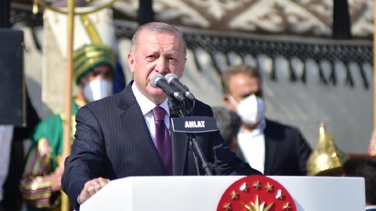 Erdoğan: Yokluk mücadelesi veren bir ülkeden dünyada söz sahibi bir ülkeye dönüştük
