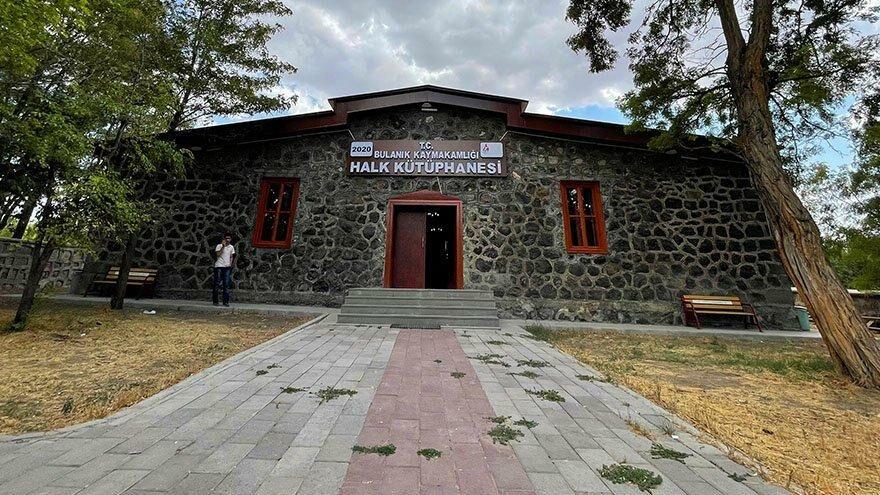 49 yıllık cezaevi kütüphane oldu