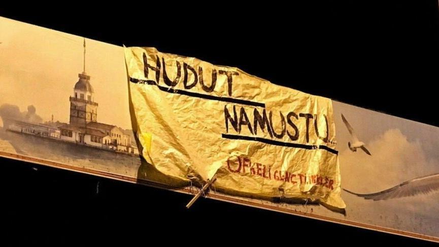 'Hudut Namustur' pankartı asan gence saldırıda bir gözaltı