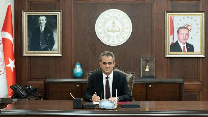 Bakan Özer'den öğretmenler için mazeret tayini açıklaması