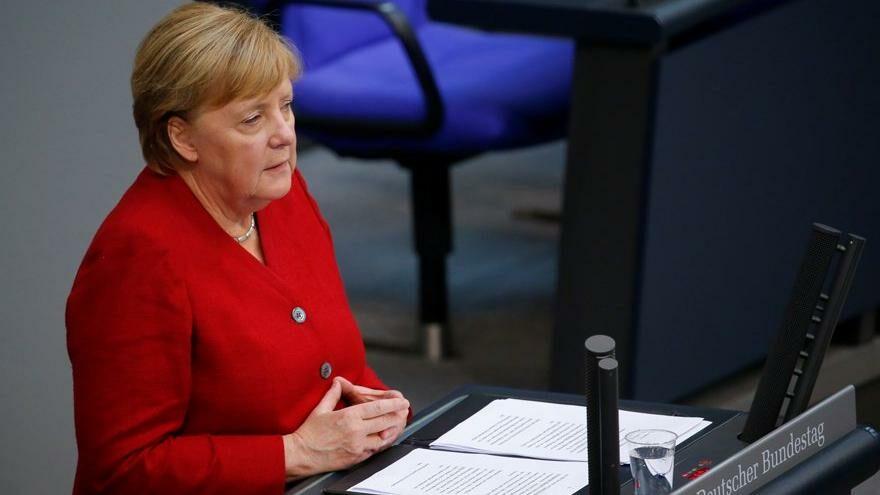Merkel: 20 yıllık kazanımlar için Taliban'la görüşmekten kaçınılmamalı