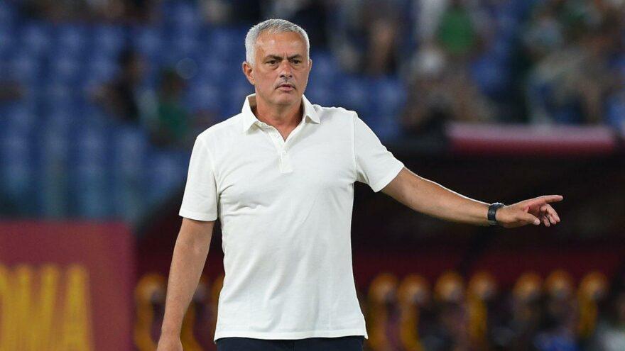 """Jose Mourinho: """"Trabzonspor'a karşı kazanmak için oynayacağız"""""""