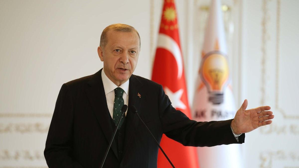 Cumhurbaşkanı Erdoğan: Zikir halkası yerine ilim halkasına oturmayı tercih eden...