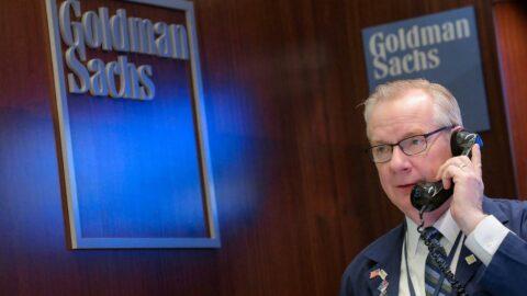 Goldman Sachs'tan şubeye girecek personel ve müşterilere aşı zorunluluğu