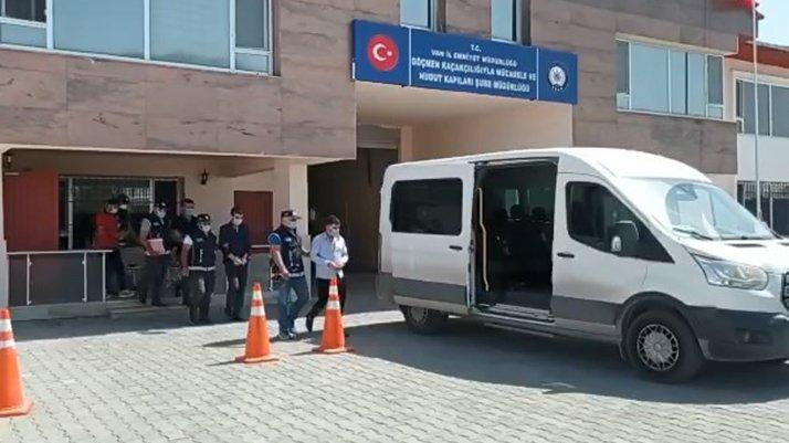 Otelinde kaçak göçmen saklayan otel sahipleri tutuklandı