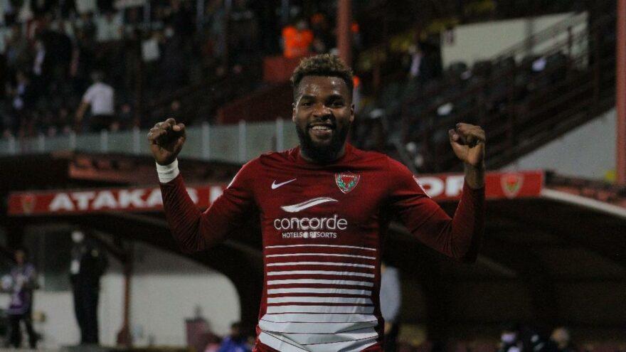 Boupendza, Hatayspor'dan resmen ayrıldı! Yeni takımı Al-Arabi oldu