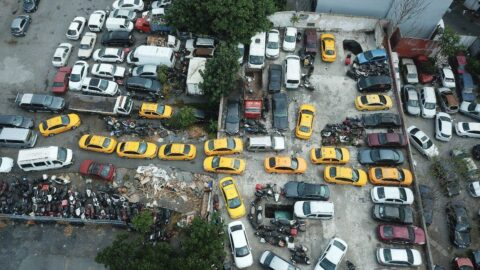 Denetimler arttı.... Otopark taksilerle doldu