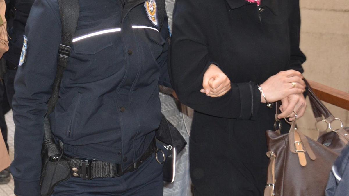 FETÖ tutuklusu eski TEM müdürünün eşi gözaltına alındı