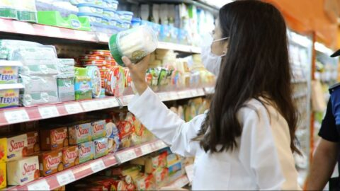 En ucuz süt 5 lira, bir kilo peynir et fiyatlarıyla yarışıyor