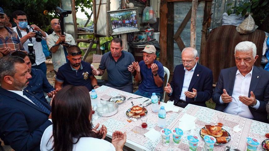 Kemal Kılıçdaroğlu'ndan orman yangınında hayatını kaybeden Şahin Akdemir'in ailesine taziye ziyareti
