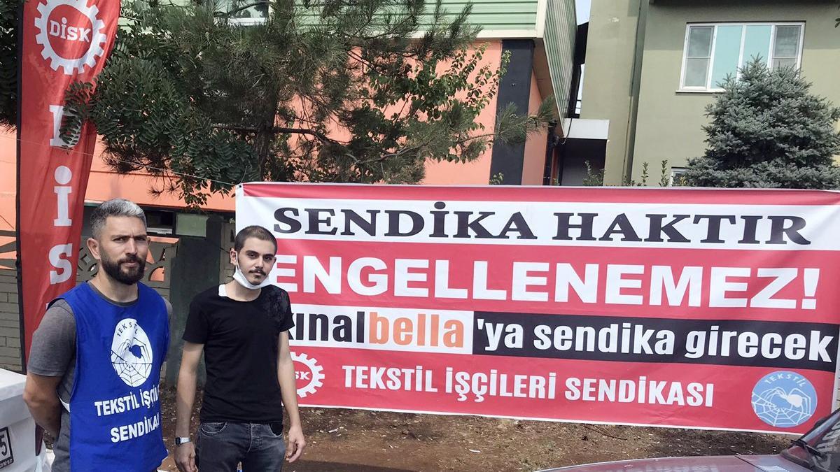 Türk ve Suriyeli işçiler yan yana grevde