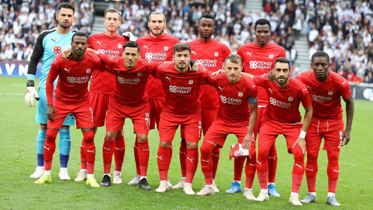 Sivasspor'dan Türkiye'ye 700 puan