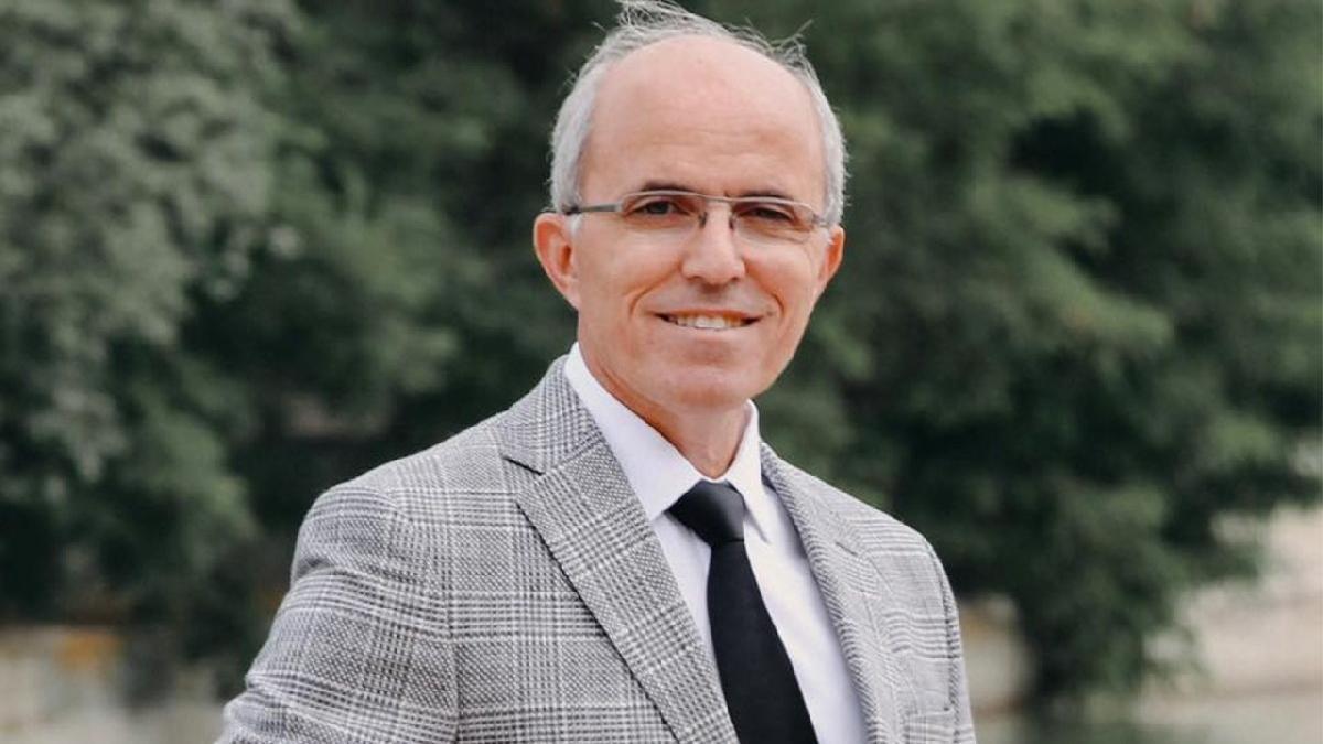 AKP'li başkan, yeğenini yardımcısı olarak atadı! Savunması şaşırttı
