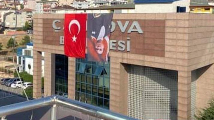 Atatürk'ün posterini ters asan AKP'li belediye CHP'yi suçladı