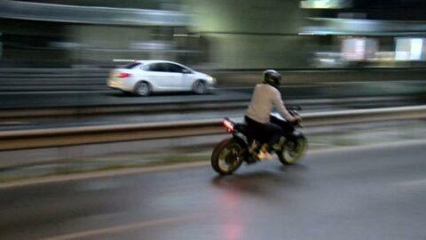 İstanbul'da trafik denetimi: Bir motosiklet sürücüsü böyle kaçtı