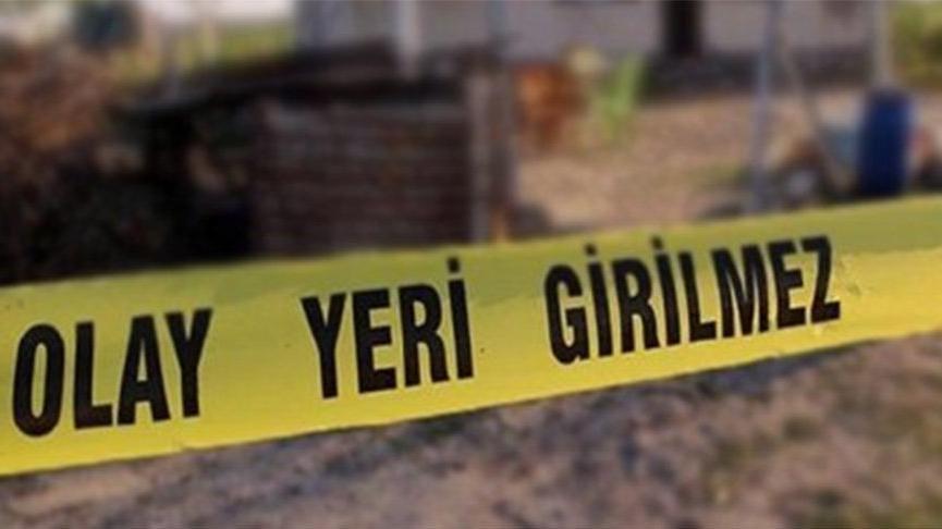 Arazide bulduğu cisim patladı;kendisi öldü ailesi yaralandı
