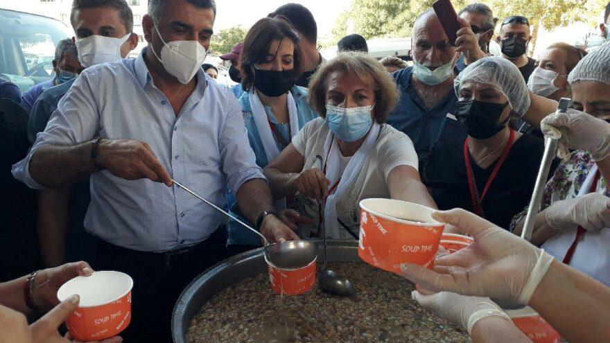 CHP'den Elazığ'da 15 bin kişiye aşure ikramı
