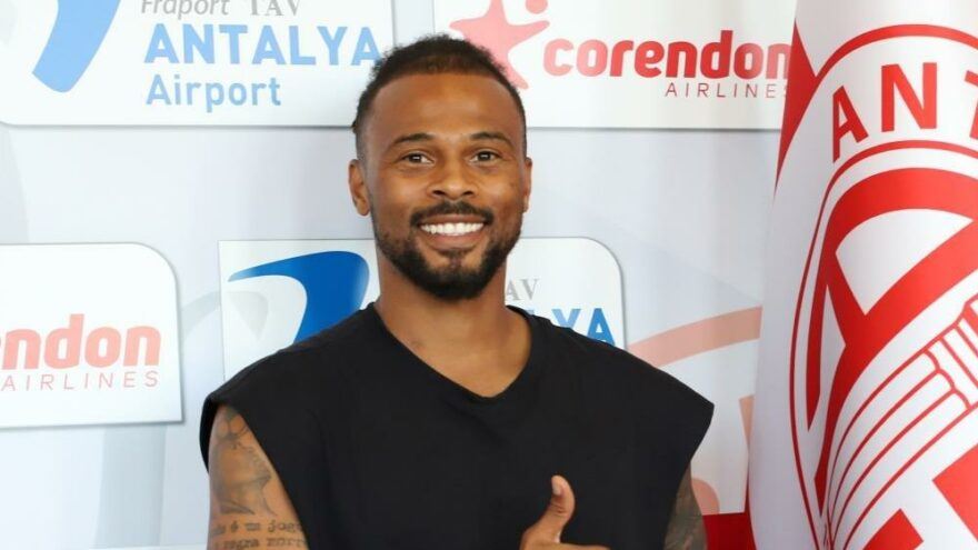 Antalyaspor, Fredy'nin sözleşmesini uzattı