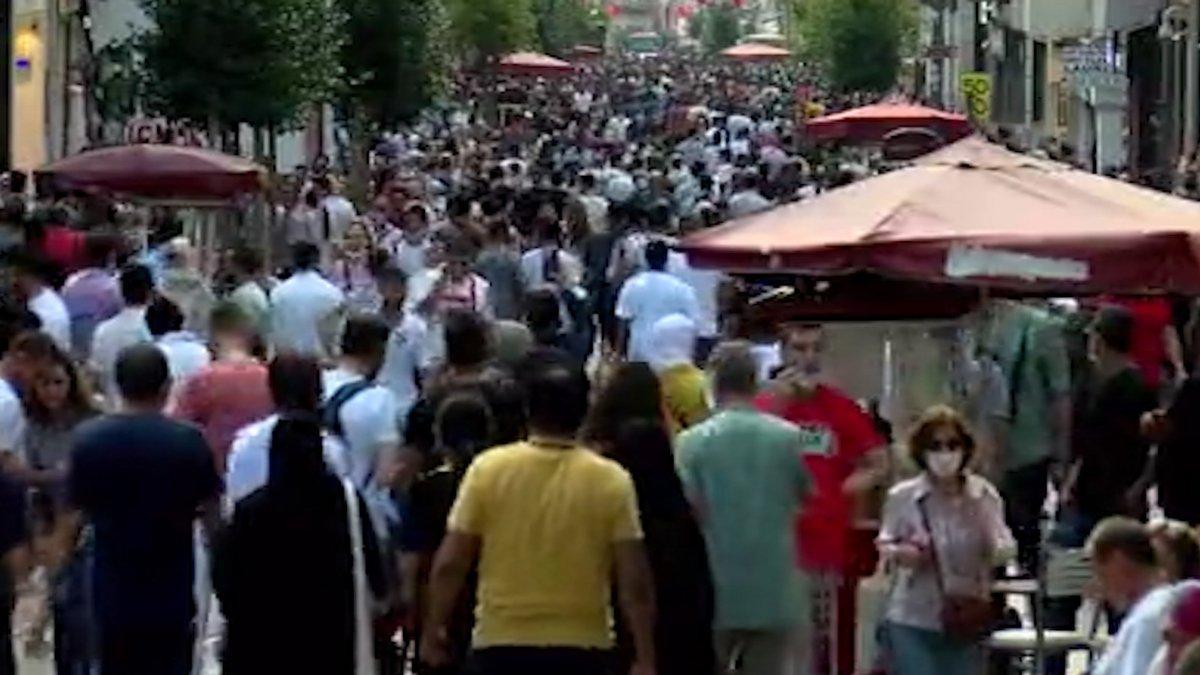 Coronadan ölümler artarken İstanbul'da hayrete düşüren görüntüler