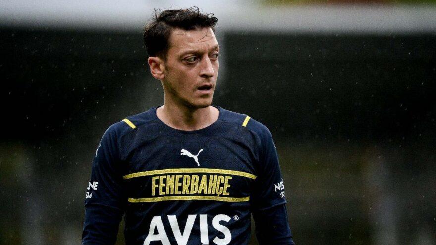 Fenerbahçe'ye Mesut Özil şoku! Kadroda yok…