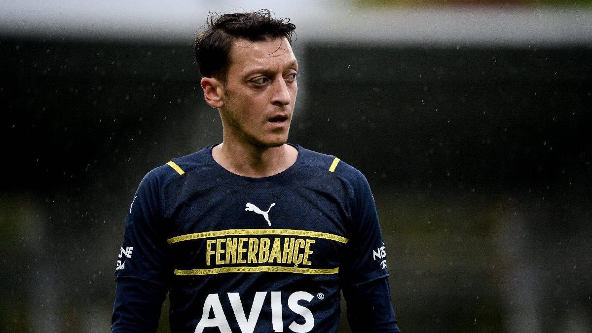 Fenerbahçe'ye Mesut Özil şoku! Kadroda yok...